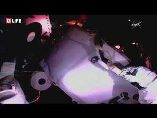 Астронавты  выходят в открытый космос на МКС