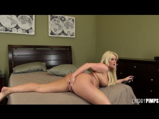 Julie cash gets a moneyshot all over her thick ass after sex порно pawg big ass bbw попки