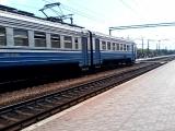 Электропоезд эр2р-7070 сообщением №6445 Харьков(Л)-Красный Лиман прибывает на станцию изюм