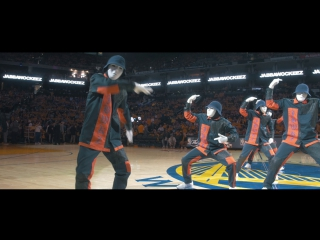 Крутой танец от JABBAWOCKEEZ на финале NBA 2017
