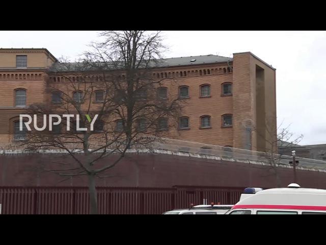 Германия: Тюремные клетки Берлин-Моабитские набеги в операции, связанной с мечетью CSS!.