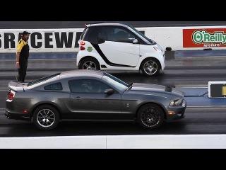 SMART CAR OUTRUNS MUSTANGS