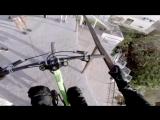 Сумасшедший спуск на велосипеде по городу в Мексике (VHS Video)