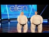 Ellen and Jessica Simpson Play SuMove It, Move It  RUS SUB