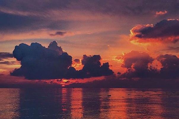 Riz Есентаев: Сегодняшний потрясающий закат #phangan #thailand  #sunset #nature #sea #щлякатрип