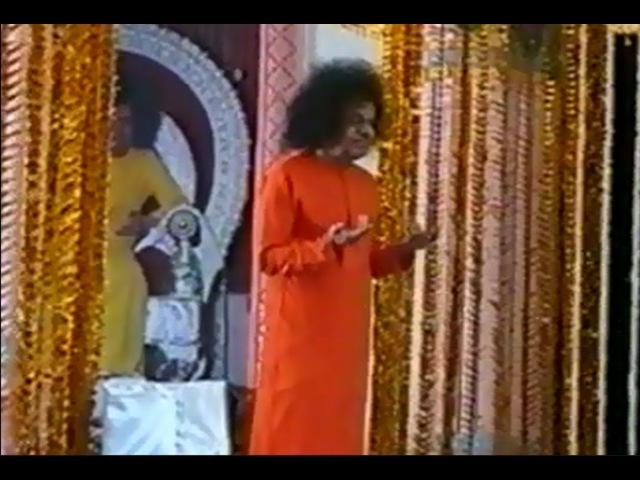 Bhagavan Sri Sathya Sai Baba- Buddha Poornima Celebrations 2000