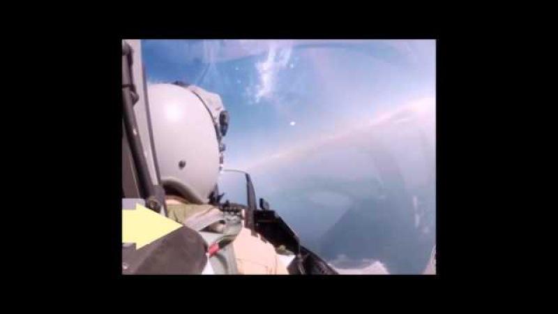 Военный летчик У купола Плоской Земли