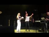 29/08/2016 Трой Сиван на гастролях в Канзасе поздравил Астрид с Днем Рождения