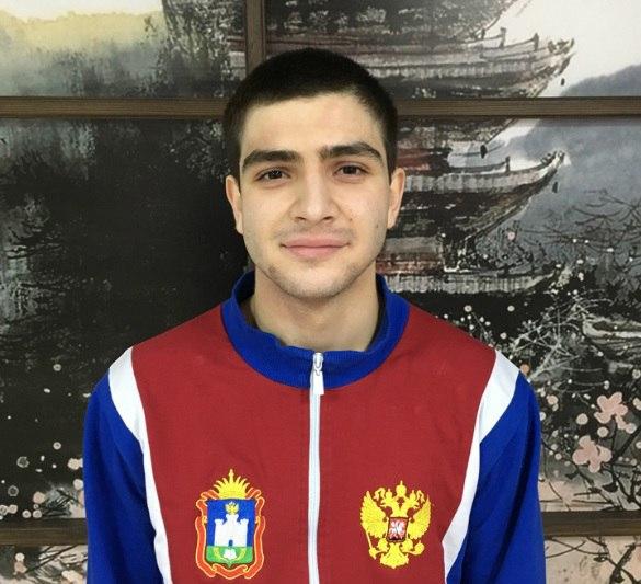 Орловец Арсен Меграбян готовится к этапу ПЛ по карате
