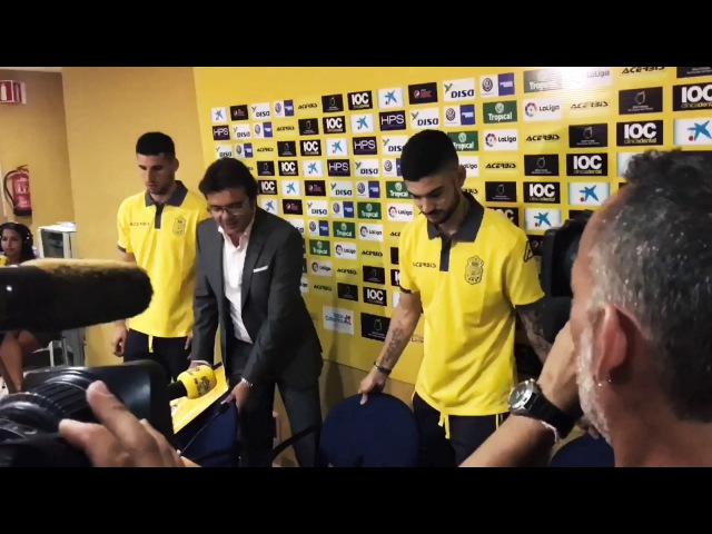 Hernan Toledo Jonathan Calleri introducing by Las Palmas into public.