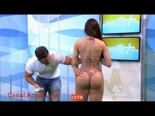 Голая бразильская модель избила ведущего