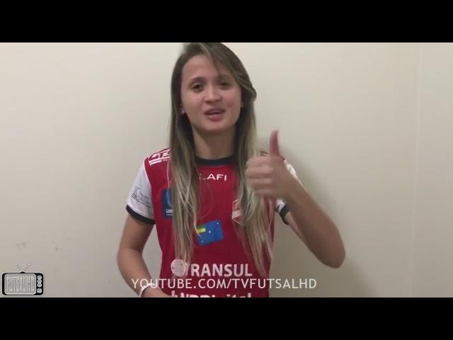 Amandinha envia mensagem depois de ser eleita a melhor jogadora de futsal do mundo