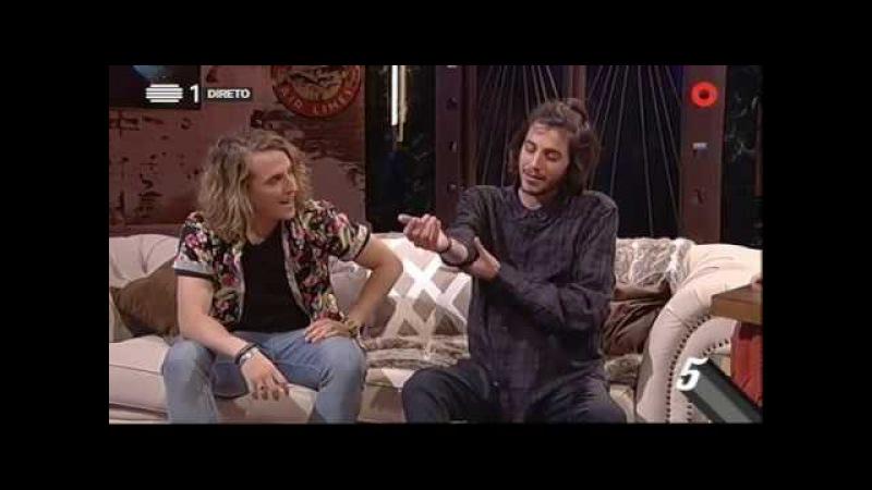 Salvador Sobral e Manel Navarro mostram tatuagens