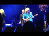 Brian May with Kerry Ellis &amp Dan Gillespie Sells - Tie Your Mother Down. Royal Albert Hall, London. 01.04.2014