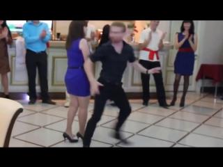 Танец настоящего мачо. Ржал весь день. Не пожалеете))