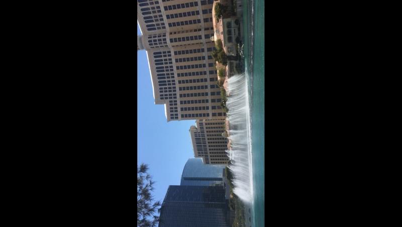 Поющий фонтан в Лас Вегасе.