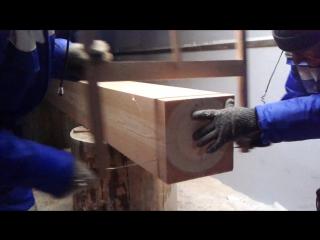 фигурный рез лучковой пилой на брусе 265*265мм вдвоем:)