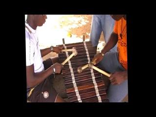 N'Famady Kouyaté dit Alaye au Balafon (Mamayofinkè et soko)