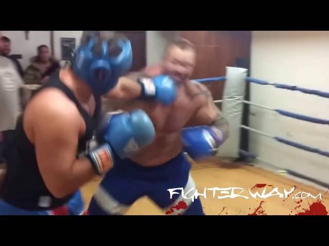 Hafþór The Mountain Björnsson in boxing sparring