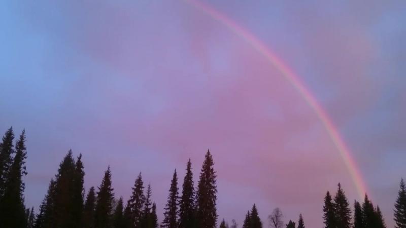 @..будет радуга после дождя!!))..жаль,камера не передаст цветА..