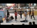 Price Tag (Jessie J feat. B.O.B. Cover) Уличные музыканты в Куала Лумпур Малайзия. В конце небольшой бонус от юного танцора.