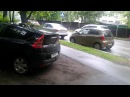 Обнаглевшая дамочка в погонах судебного пристава Семенова паркует машину на г ...