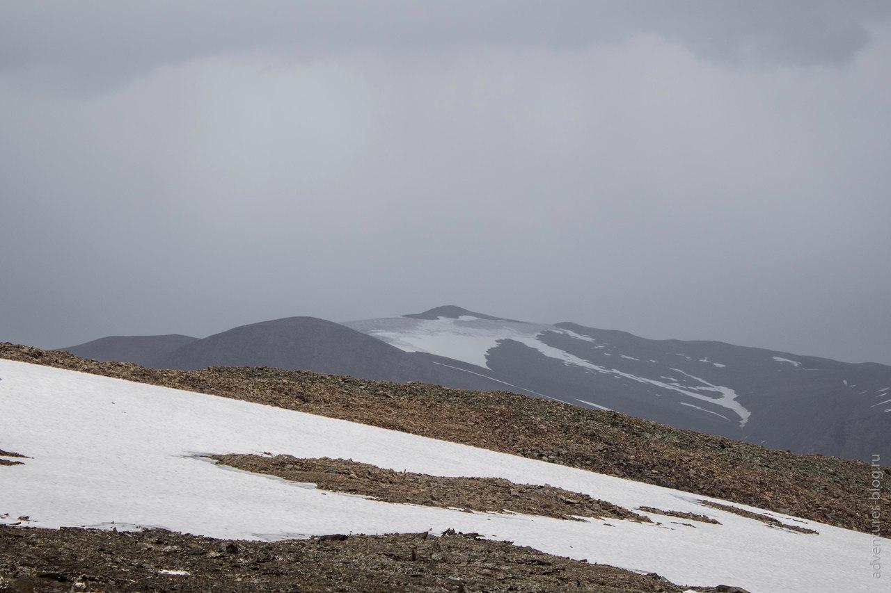 Купол с перевала Эренбурга
