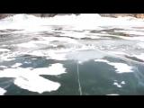 Прогулка по замерзшему озеру Байкал