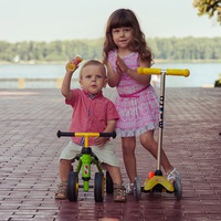 Логотип KinderCars-самокаты Micro,беговелы,скейты.Самара