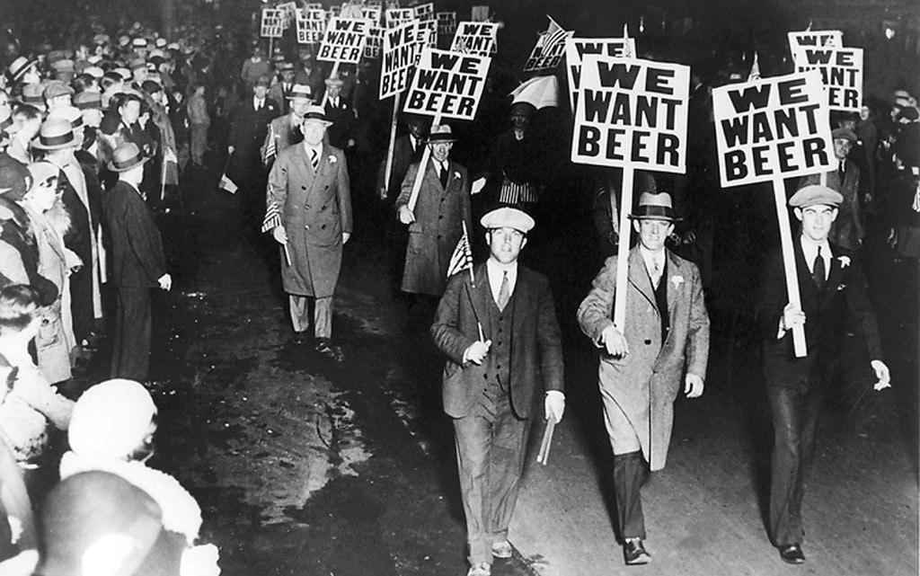 Марш во время сухого закона в США, Чикаго, 1920-е.