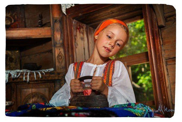 Традиционное воспитание девочки-казачки