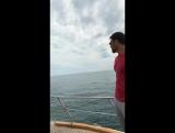 Российские спортсмены катаются на яхте в Анталии