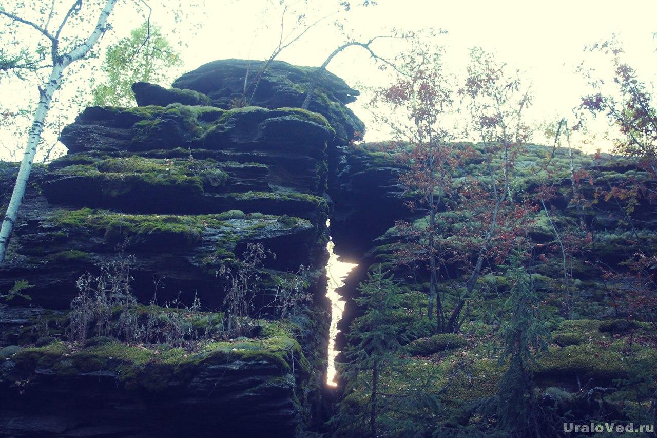 Скалы в окрестностях Красного камня