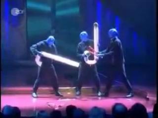 Голубые? Нет! Синие люди. Барабанная кость. Blue man Drum Bone