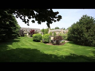 Stately and Refined Home with Private Gardens in East Oakville, Canada