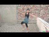 Young Smart Girl Dance on Hindi Song Tu Cheez Badi Hai Mast Mast || Dance on Roof - Video Dailymotion