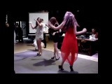 Дуня Кулакова - девушка легенда  Шпильки. Странные танцы девушек на свадьбе.