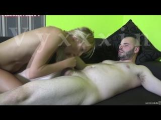 Порно отсос от юли в порке