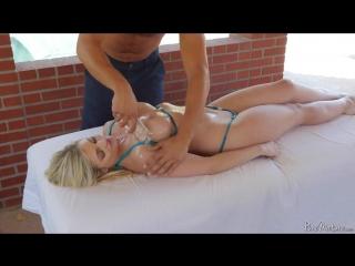 Katy Jayne сочная пышная зрелая сучка пришла на массаж груди