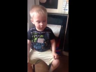 Мальчик плачет из за песни про собаку