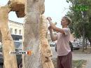 Молодой самарец делает из дерева скульптуру ангела