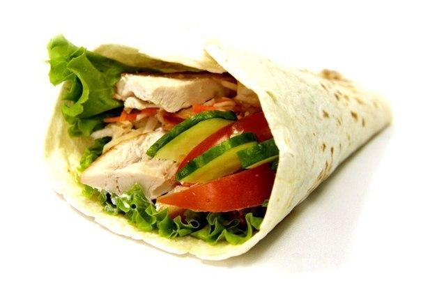 Точка по продаже шаурмы.  Шаурма является турецким блюдом, давно зав