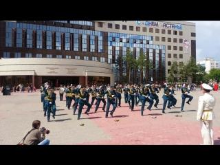 Опа гангам стайл, Астана