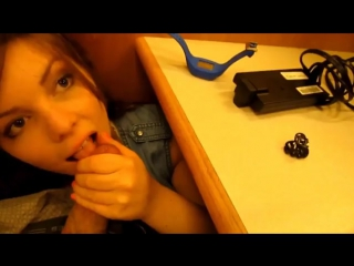 порно видео сквирт под столом