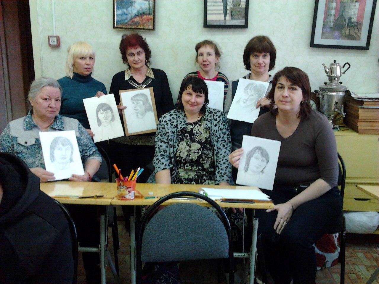 Мастер-класс по выполнению портрета в клубе инвалидов «Вера»