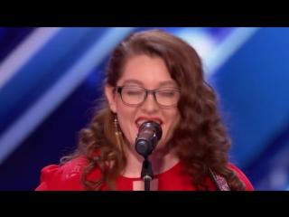 Mandy Harvey (Мэнди Харви) глухая девушка покорила сердца судей. Зал плакал и аплодировал стоя на американском шоу талантов.