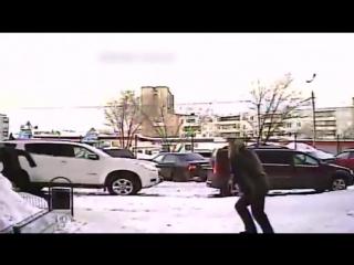 Житель Тольятти отбился от нападения неизвестного с молотком