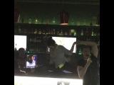 🎁🎁🎁Подарок от Леры для Юли в её #ДеньРождения 🔥🎉🎈- 🤸♀️ шпагат прямо на 🍷🍹🍸 барной стойке!