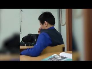 Школьник против учителя в якутской школе