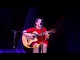 Катя Бессонова поёт